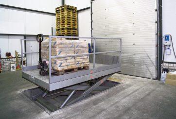 mesa en muelle carga (1)
